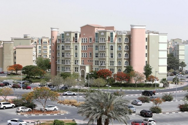 Rupee's slide may discourage Indians from Dubai property market